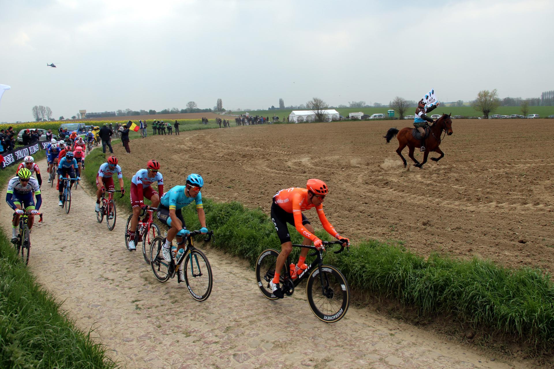 Joveniaux photographe paris roubaix paris roubaix 2019 classique cyclisme